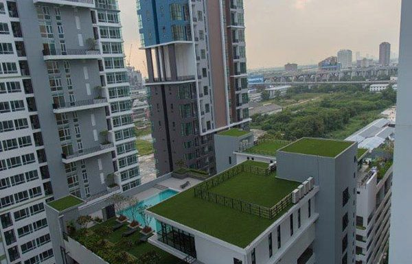 The-Sky-Sukhumvit-Bangkok-condo-for-sale-sky-garden-and-swimming-pool