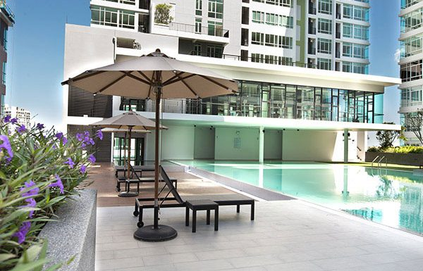 The-Sky-Sukhumvit-Bangkok-condo-for-sale-swimming-pool-2