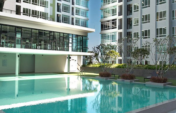 The-Sky-Sukhumvit-Bangkok-condo-for-sale-swimming-pool